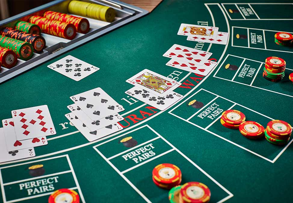 1501-melb-casino-casinogames-blackjack-table-974x676-02-2