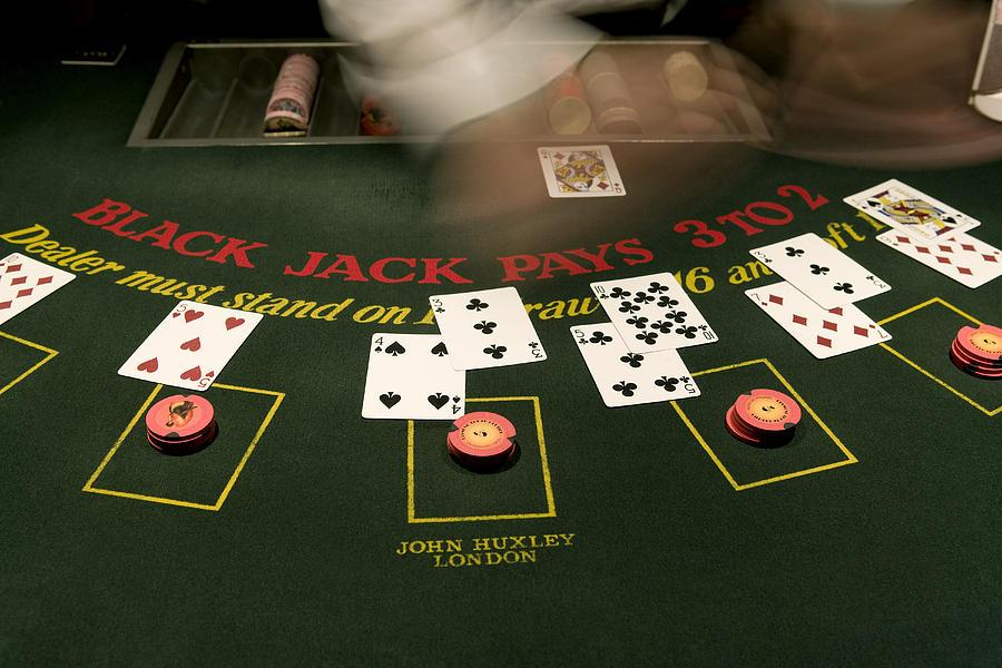 blackjack-casino-game-pete-ryan